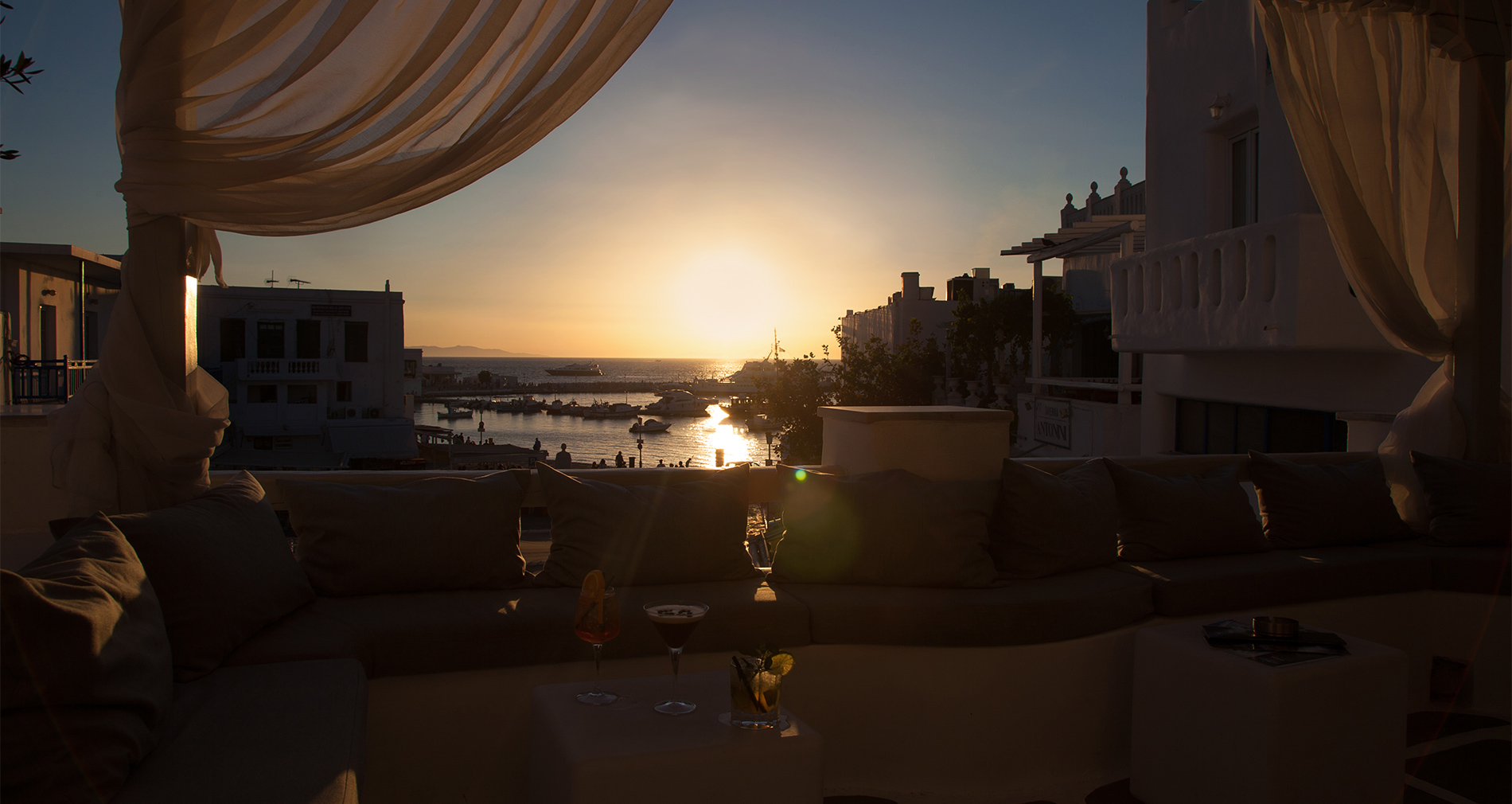 Mykonos Townhouse Hotel 54BAR